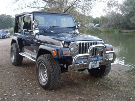 jeep wrangler  sport  doors   sale  waltham abbey essex classic carriages