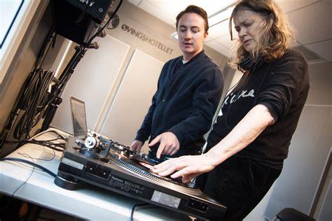 Kari (75) skal bli Oslos hotteste DJ   Muno