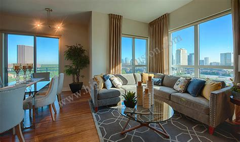 Houston Appartment by M5250 5250 Brownway St 77056 Highrise Houston