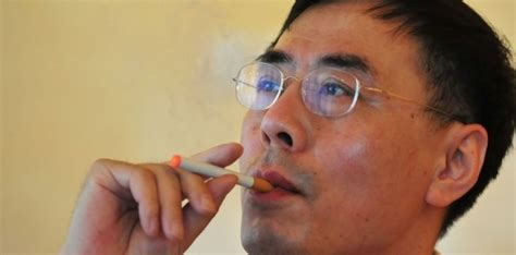 e cigarette l invention made in china sciencesetavenir fr
