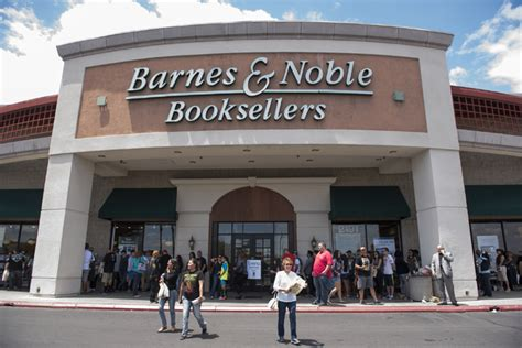 Barnes & Noble To Host Harry Potter Ball On Friday