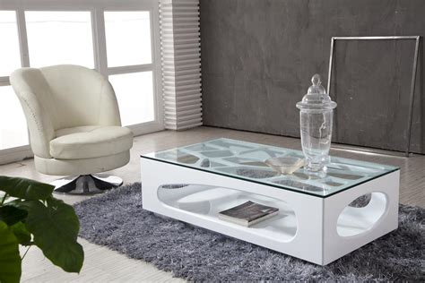 Love Minimalist Home? Get A Modern Glass Coffee Table