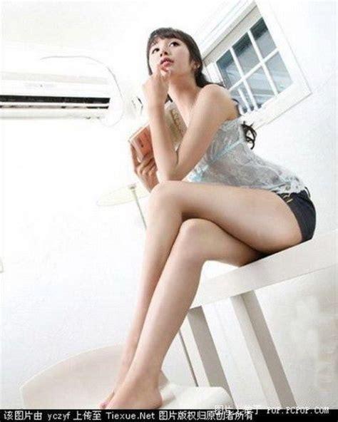damn fresh pics asian babes with long legs