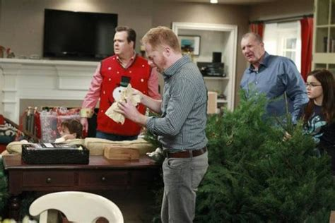 episode 3 10 express modern family photo 26906557 fanpop