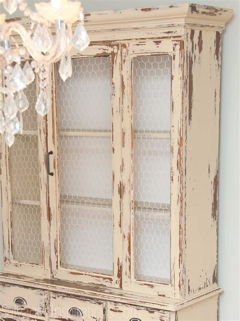 Past Meets Present Trend: Replace Glass with Chicken Wire