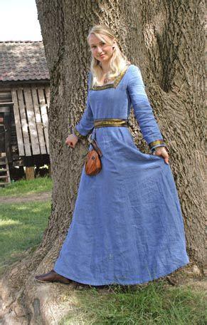 images  middelalderkjoler  pinterest search