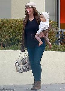 Jennifer Love Hewitt seen for first time since announcing ...