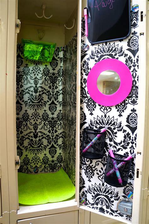 decorate  school locker   frugal