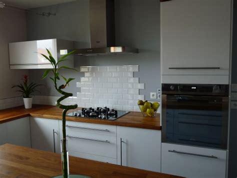 credence cuisine carrelage metro carrelage pour cuisine blanche cuisine sol blanc
