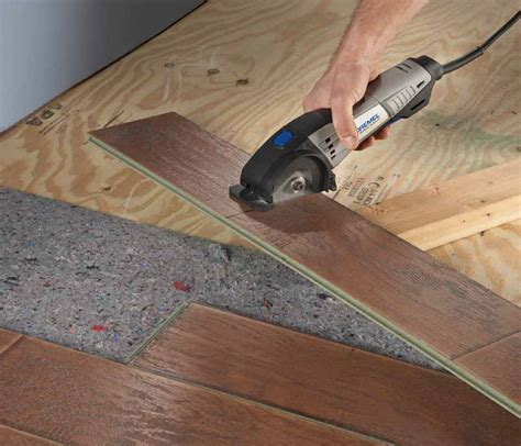Cut Laminate Flooring With Table Saw by Laminate Flooring Cutting Laminate Flooring With A