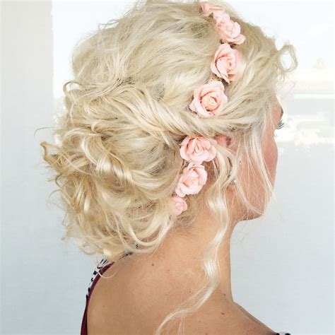 soft  sweet wedding hairstyles  curly hair