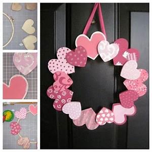 Wonderful DIY 20 + Valentine's Day Wreaths