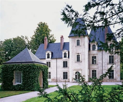 chateau style homes trend
