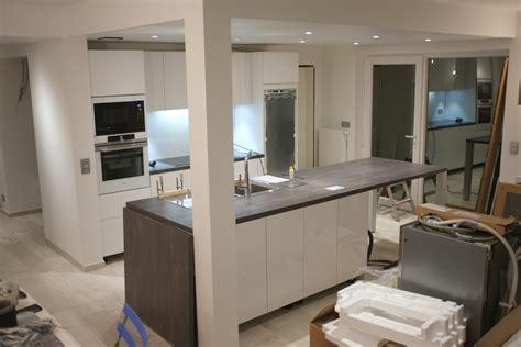 meuble de cuisine avec plan de travail montage de la cuisine schmidt jour 2 construction d 39 une