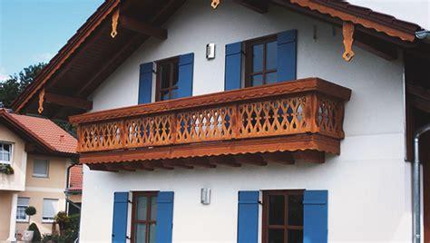 Balkon Aus Holz Holzbalkone Balkone Aus Holz Traditionell Bis Modern