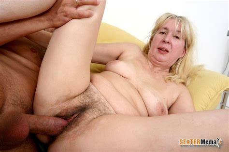 Hairy Pussy Blonde Granny Enjoying Younger Xxx Dessert