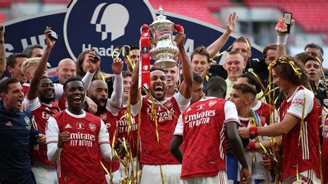 Aubameyang double powers Arsenal to FA Cup victory