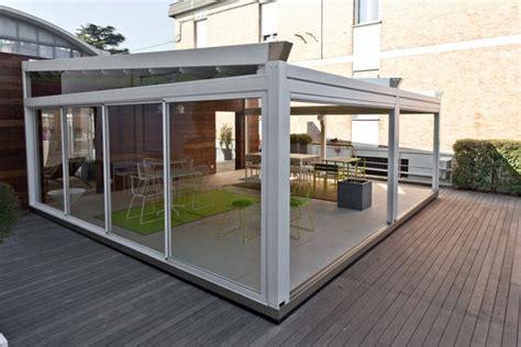 chiudere una terrazza chiudere un balcone a roma veranda o pergotenda