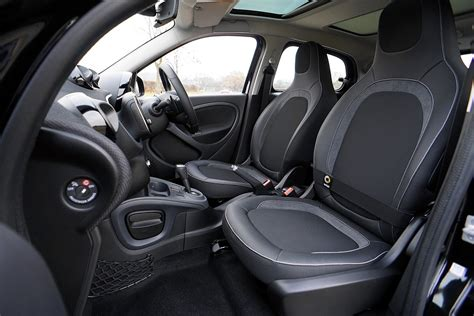 nettoyer siege de voiture nettoyage d 39 un siège de voiture les astuces de grand mère