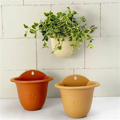 Planting In Wall Pots Wwwcoolgardenme