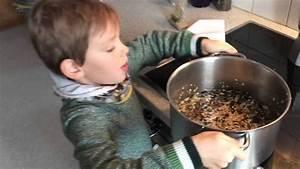 Seife Selber Machen Mit Kindern : vogelfutter mit kindern selber machen youtube ~ Watch28wear.com Haus und Dekorationen