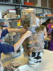 Sculpture En Papier Maché : sculpture en papier m ch de personnages historiques artiste plasticienne intervenant en arts ~ Melissatoandfro.com Idées de Décoration