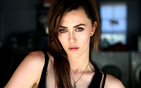Madeline Zima Hd 5K oz Desktop Wallpapers