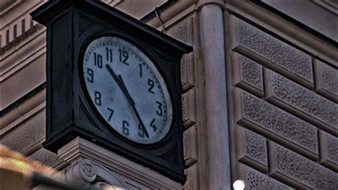 Stazione Di Bologna Ufficio Informazioni by Il Tempo Dell Orologio Della Stazione Di Bologna
