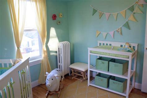 chambre bébé vert 7 idées de chambres de bébé joliment teintées de vert