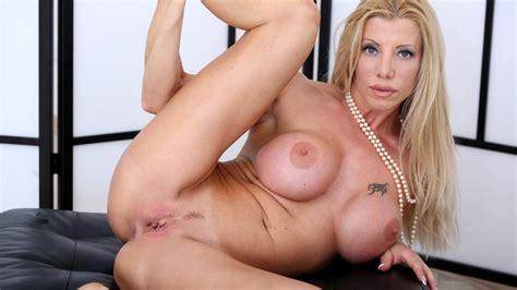 Stunning Blonde Italian Milf Lara De Santis Free Porn 2a