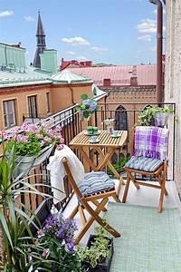 inspiring spring patio decor ideas 30 Inspiring Spring Balcony Decor Ideas   ComfyDwelling.com
