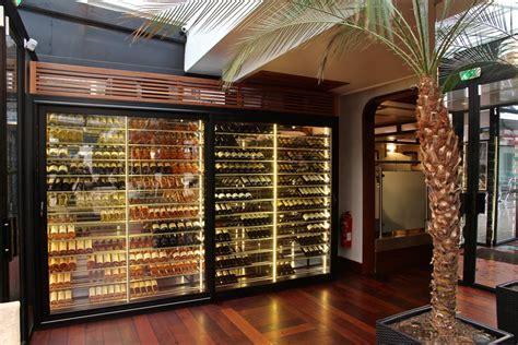 chambrer le vin cave à vin et aménagement armoire à vin climatisée