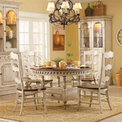 summerglen  piece set  hooker furniture homes