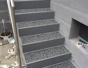 balkon fliesen verlegen außentreppe mit steinteppich sanieren bauanleitung zum selber