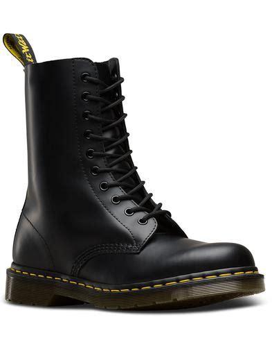 dr martens  smooth mens mod  eyelet boots black