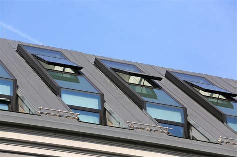Was Kosten Dachfenster by Die Kosten F 252 R Den Einbau Eines Dachfensters Herold At