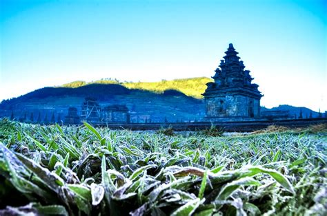 tourists hikers warned  cold weather  dieng