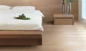 carrelage imitation parquet bois noble clair lisse