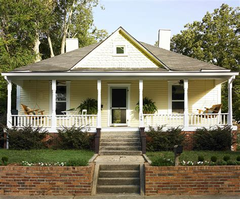 Vintage Home Style : Pretty Old Houses
