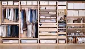 Modele De Dressing : 10 ambiances de dressing pour shopping addict ~ Teatrodelosmanantiales.com Idées de Décoration