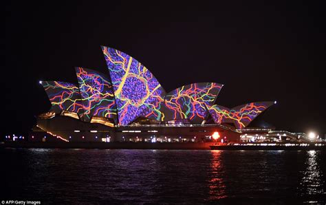 first night of sydney opera house light show plagued by rain and wind daily mail online