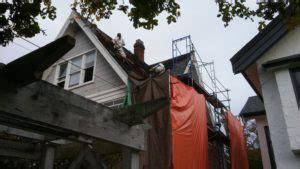 removing asbestos  roofing shingles
