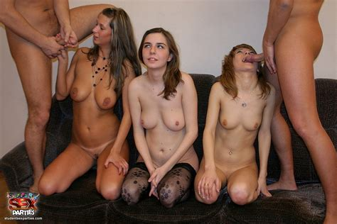 Russian College Girls Get Fucked At House Party Pichunter