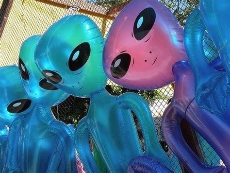 holographic alien tumblr
