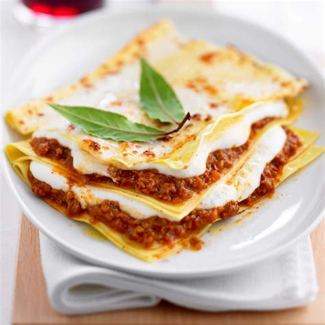 cuisine lasagne facile béchamel pour les lasagnes facile et pas cher recette