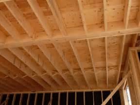 construction de la charpente du plancher