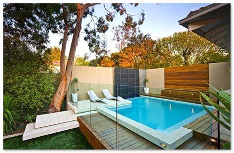 desain kolam renang minimalis  belakang rumah desain