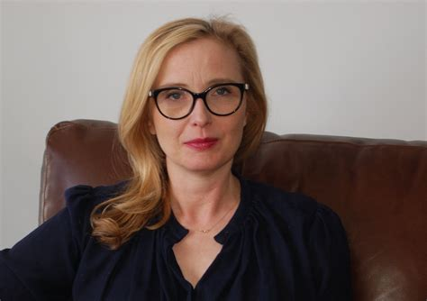 Just Do It Wallpaper Julie Delpy Wallpapers Images Photos Pictures Backgrounds