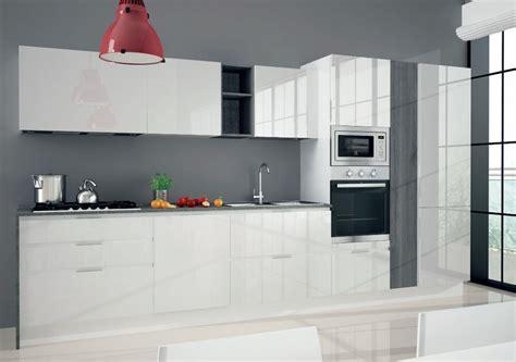 Cucine Moderne Bianche Laccate by Cucina Astra Cucine Combi Laccata Moderna Laccato Lucido