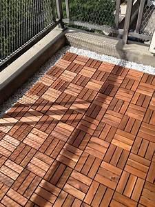 Holz Auf Fliesen Kleben : balkon mit holz auslegen unterkonstruktion ~ Markanthonyermac.com Haus und Dekorationen